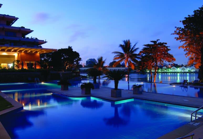 Cinnamon Lakeside Colombo, Colombo, Outdoor Pool
