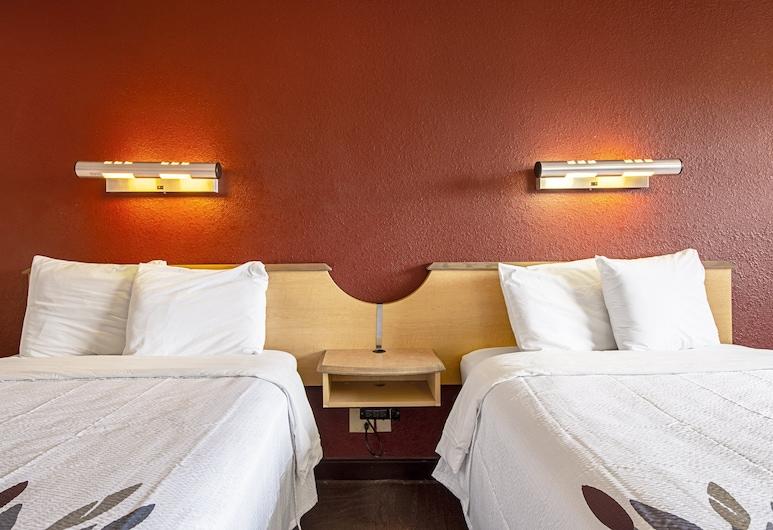 Red Roof Inn Florence - Civic Center, פלורנס, חדר סטנדרט, 2 מיטות זוגיות (Smoke Free), חדר אורחים