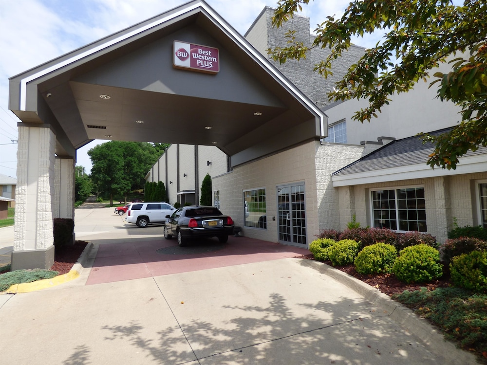Best Western Plus Longbranch Hotel & Convention Center, Cedar Rapids