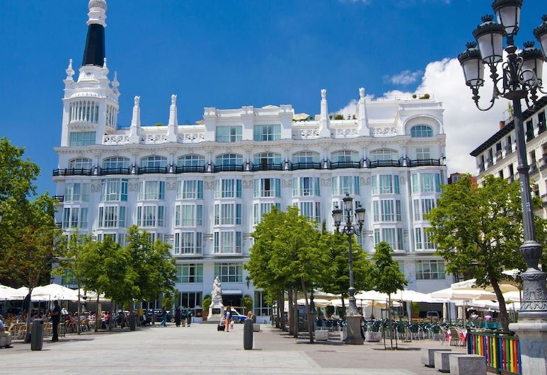 ME Madrid by Melia, Madrid, Hotel Front