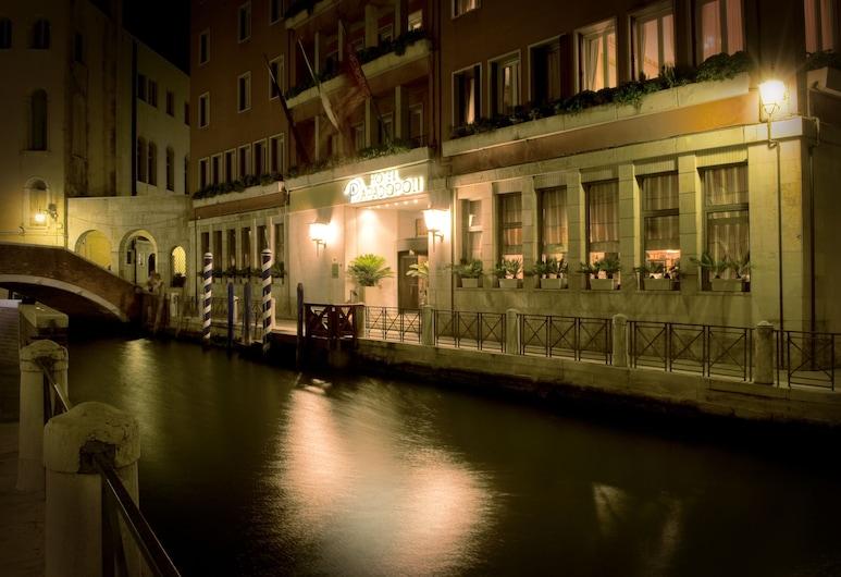 Hotel Papadopoli Venezia MGallery by Sofitel, Venise, Façade de l'hôtel - Soir/Nuit