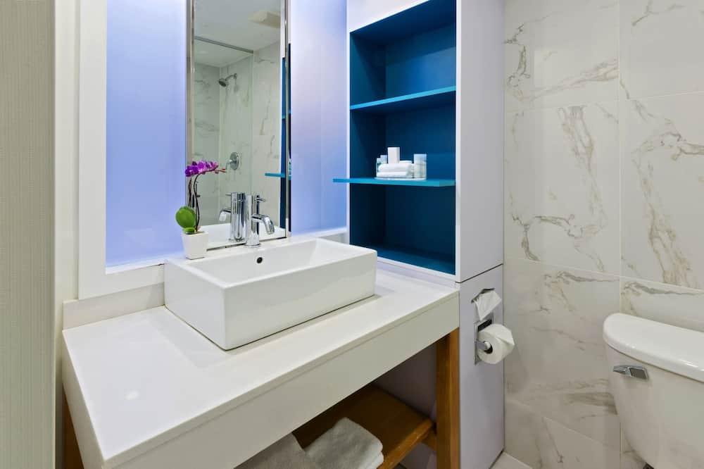 Junior-sviitti, 1 keskisuuri parisänky ja vuodesohva - Kylpyhuone