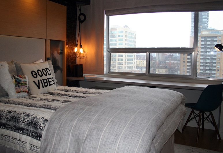 Bond Place Hotel, Toronto, Standard Twin Room, 2 Twin Beds, City View