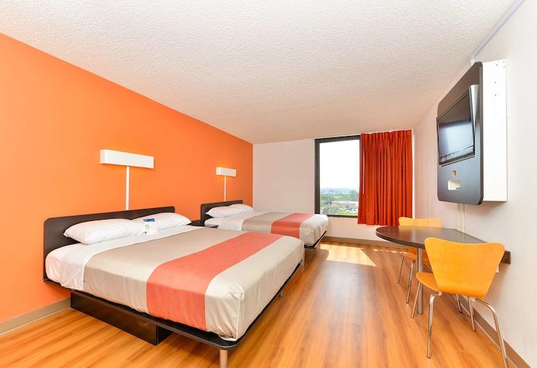 Motel 6 Fort Worth, TX - Downtown East, פורט וורת', חדר סטנדרט, 2 מיטות קווין, למעשנים, חדר אורחים