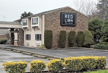 Picture of Red Lion Inn & Suites Vancouver in Vancouver