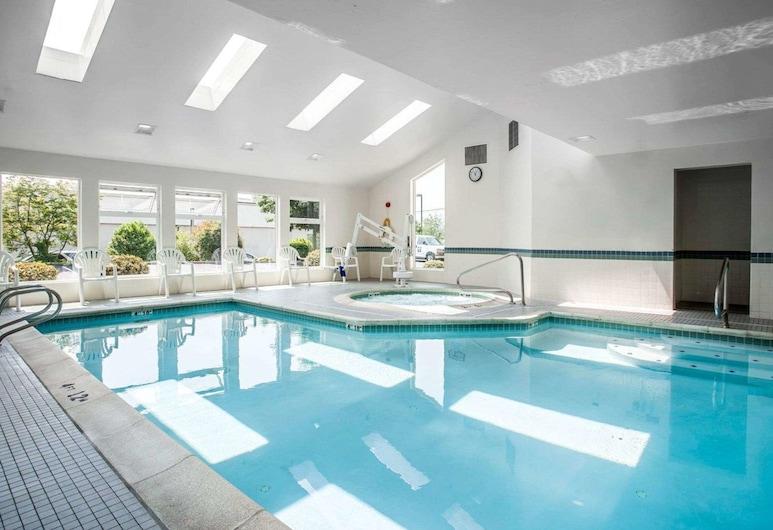 Comfort Inn Bellingham, בלינגהאם, בריכה