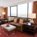 Suite, 1 King Bed, Non Smoking, Corner - Living Room
