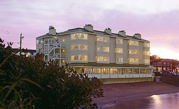 Enter your dates to get the Monterey hotel deal