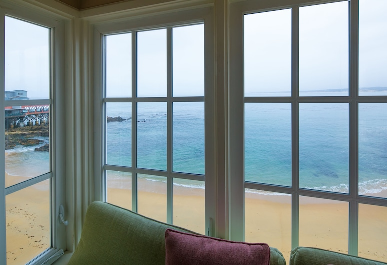 Spindrift Inn, Monterey, Standarta numurs, 2 divguļamās karalienes gultas, kamīns, skats uz okeānu, Viesu numura skats