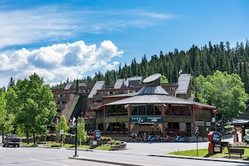 Picture of Inns of Banff in Banff