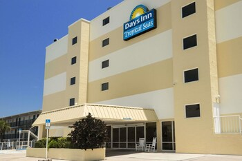 Picture of Days Inn by Wyndham Daytona Oceanfront in Daytona Beach Shores