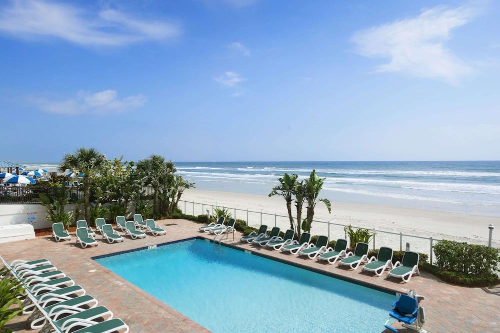 Days Inn By Wyndham Daytona Oceanfront Beach Ss