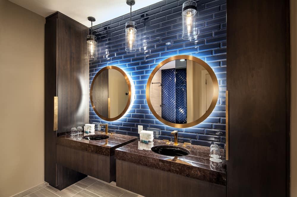 Люкс, 1 спальня, для некурящих (SW-M) - Ванная комната