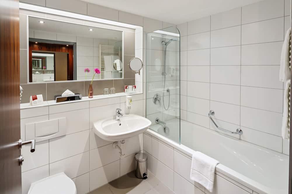 Comfort-Zweibettzimmer - Badezimmer