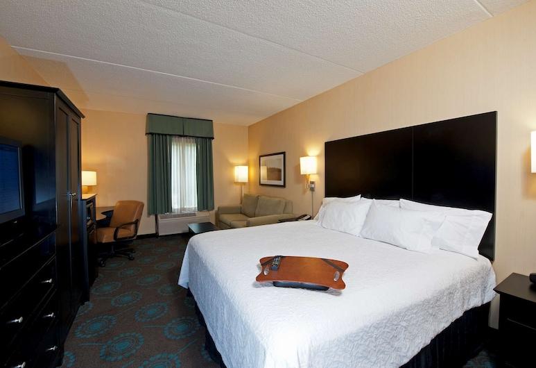 Hampton Inn Bloomington, Bloomington, Room, 1 King Bed with Sofa bed, Non Smoking (Study), Guest Room