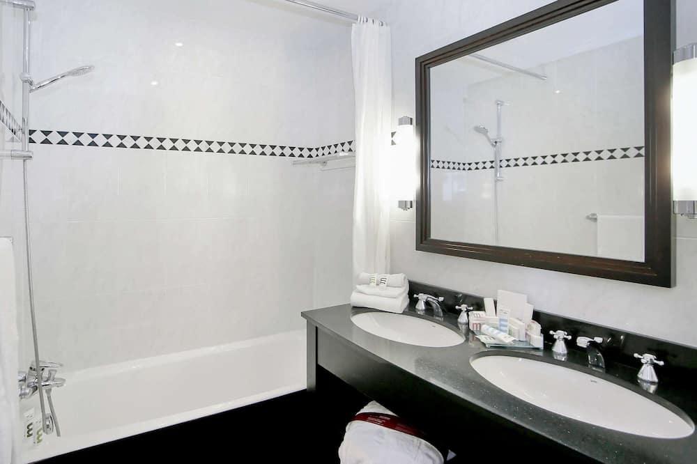 Classic Δωμάτιο, Μερική Θέα στη Θάλασσα - Μπάνιο