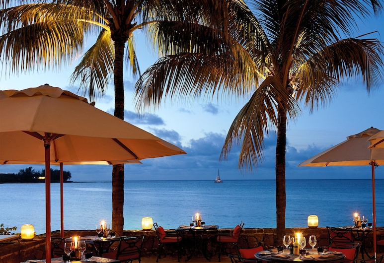 Royal Palm Beachcomber Luxury, Grand-Baie, Restaurante al aire libre