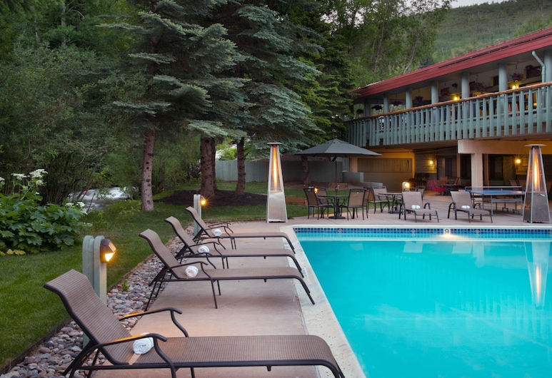 Evergreen Lodge at Vail, Vail, Billiards