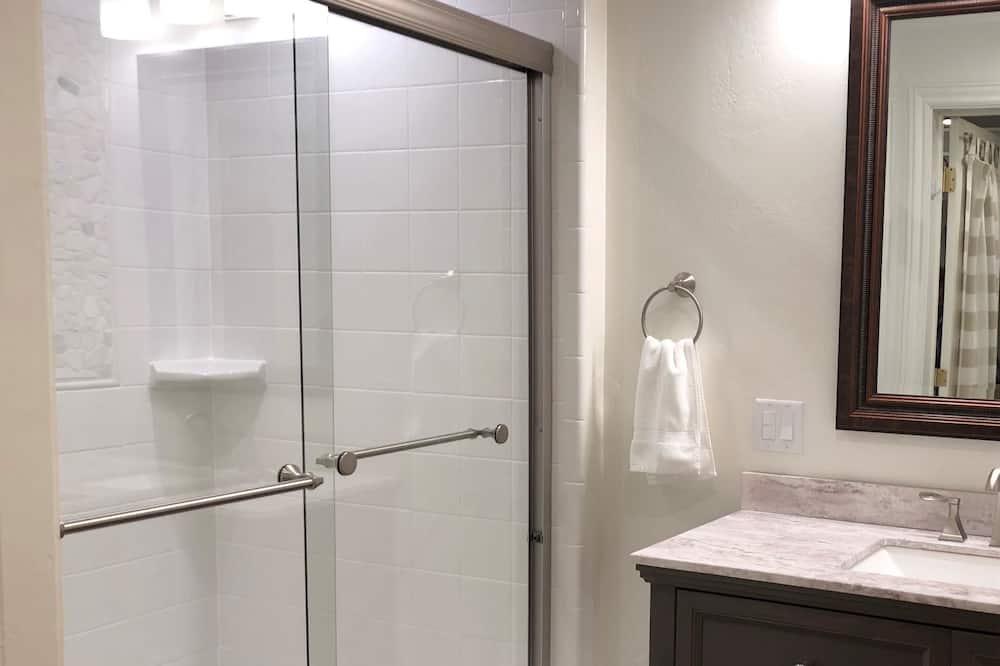 חדר סטנדרט, 2 מיטות קווין, ללא עישון, מטבחון (Oversized Room) - חדר רחצה