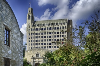 Picture of The Emily Morgan - a DoubleTree by Hilton in San Antonio
