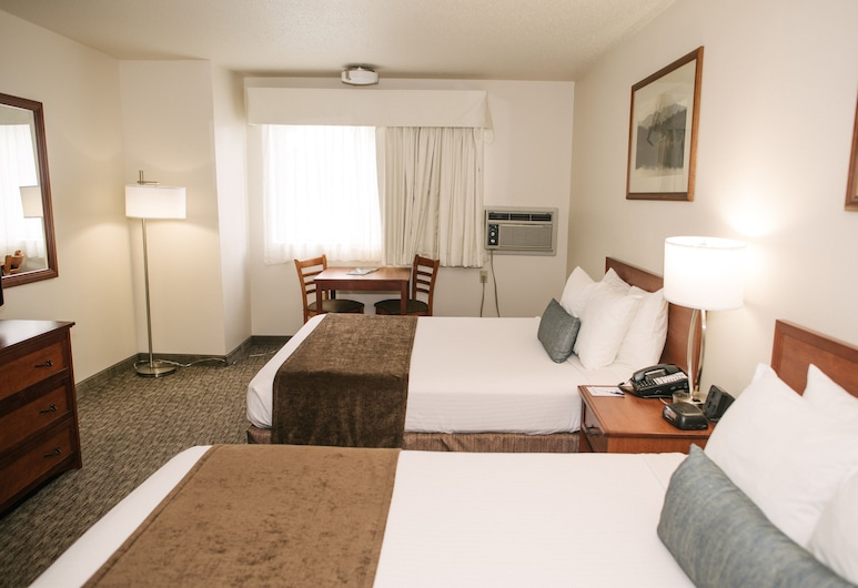 Best Western Buffalo Ridge Inn, Custer, Habitación estándar, 2 camas Queen size, con acceso para silla de ruedas, refrigerador y microondas, Habitación