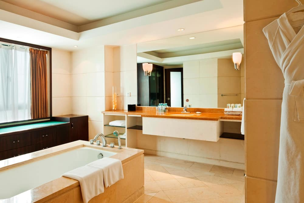尊榮客房 (Crowne Plaza) - 浴室