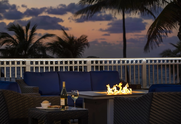 Courtyard by Marriott Fort Lauderdale Beach, Fort Lauderdale, Terraza o patio