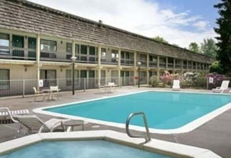 Days Inn by Wyndham Klamath Falls, Klamath Falls, Piscine en plein air