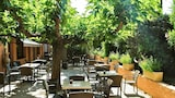 Choose This Business Hotel in Avignon -  - Online Room Reservations