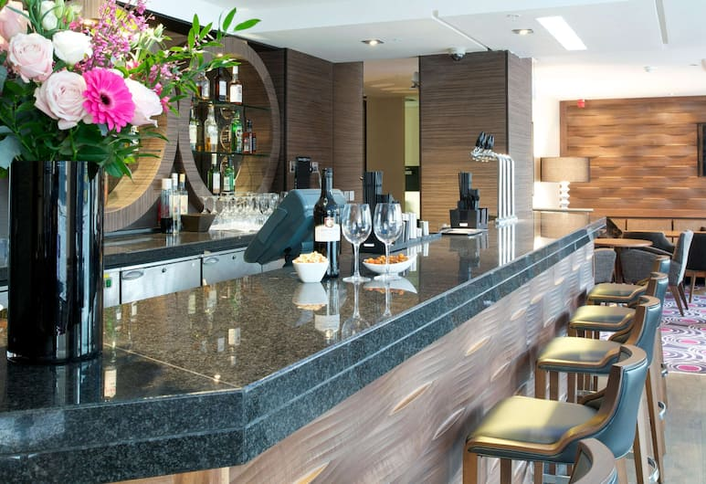 DoubleTree by Hilton London Victoria, London, Hotelli baar