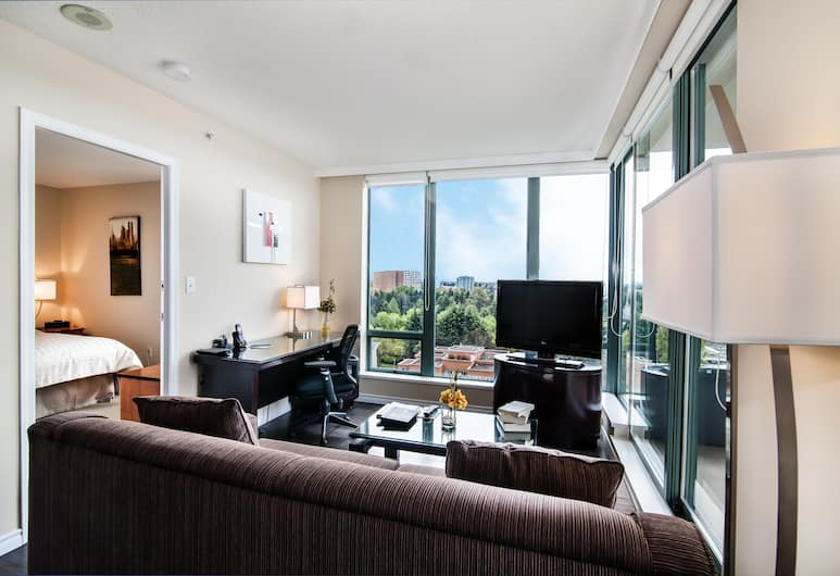 Executive Hotel Vancouver Airport, Richmond, One Bedroom Suites, Living Area