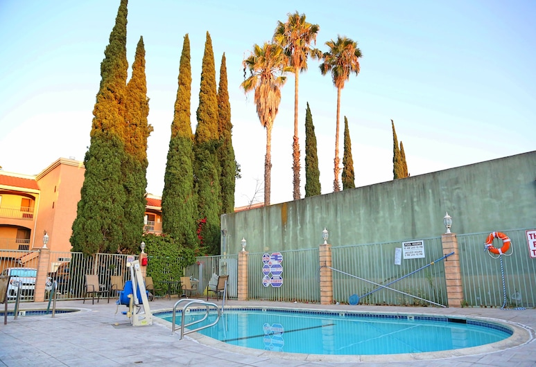 Travelodge by Wyndham Pasadena Central, Pasadena, Basen