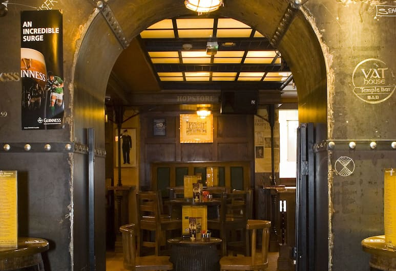 Blooms Hotel, Dublin, Hotel Bar