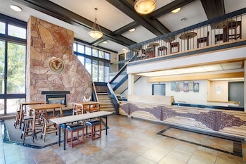 密蘇拉米蘇拉紅獅套房酒店的圖片