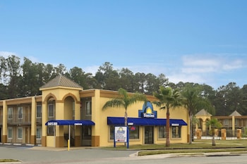 Picture of Days Inn by Wyndham Brunswick/St. Simons Area in Brunswick