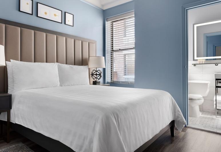 Kixby, New York, Lux Queen, Guest Room