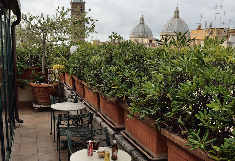 Hotel Palladium Palace, Rome, Terrasse/Patio