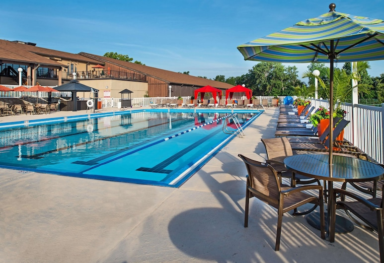 DoubleTree by Hilton Hotel St. Louis - Chesterfield, Chesterfield, Pool