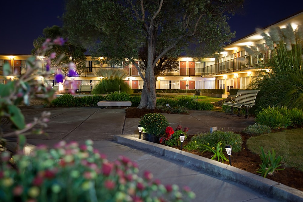 Book Park Pointe Hotel South San Francisco from 95night