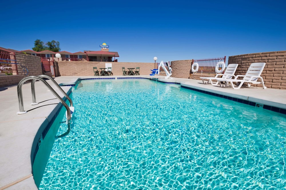 Book Days Inn Chambers Near The Petrified Forest East In Hotels