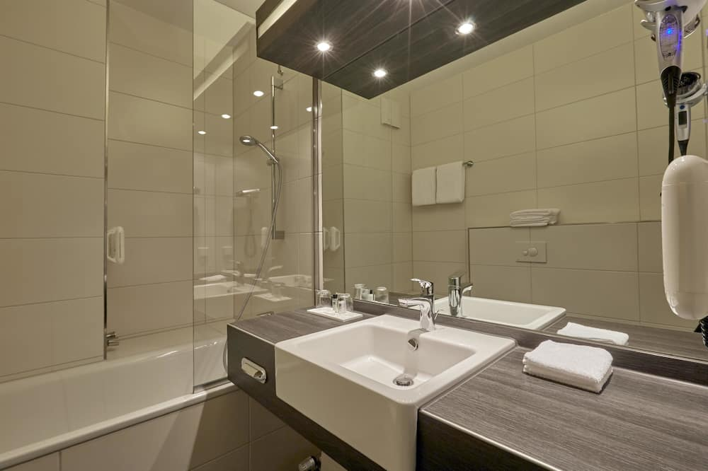 Kamar Double Comfort - Kamar mandi
