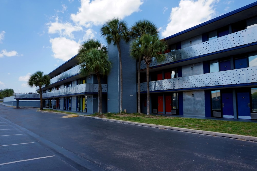 Book The M Hotel International Drive Near Universal Orlando In Hotels