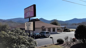 Picture of Mountain Valley Inn Dillard in Dillard