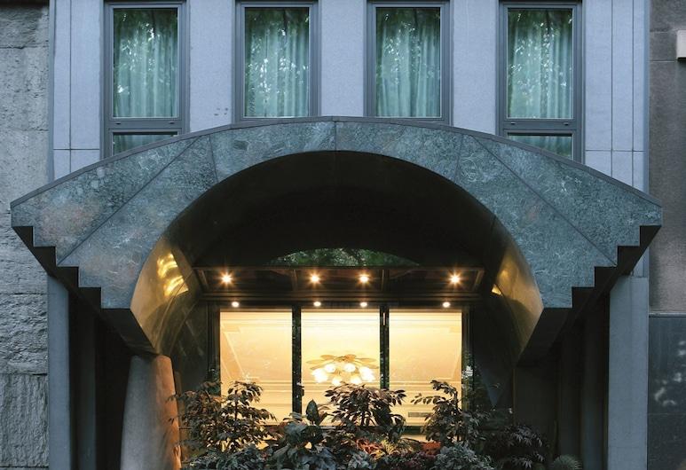 Hotel Capitol, Milaan, Ingang van hotel