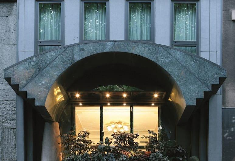 هوتل كابيتول, ميلانو, مدخل الفندق