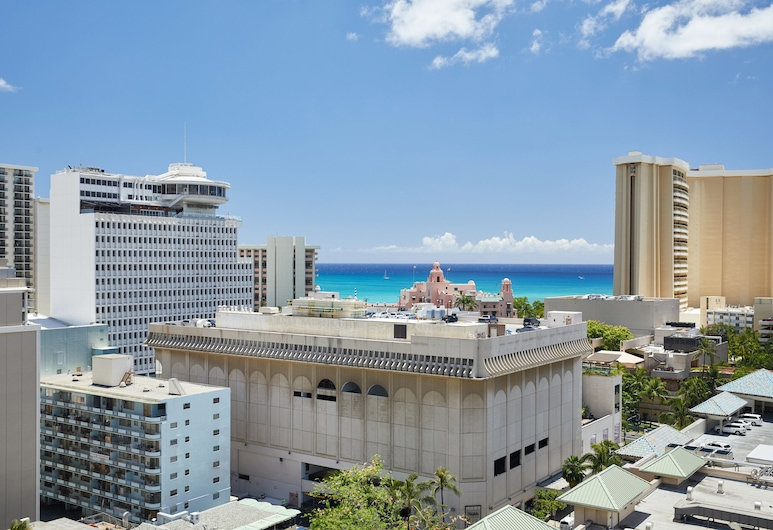 Waikiki Malia by Outrigger, Honolulu, Room, 2 Double Beds, Partial Ocean View, Guest Room