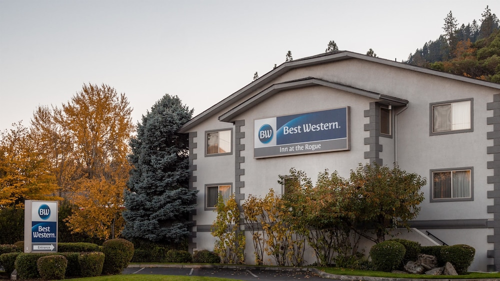 book best western inn at the rogue in grants pass. Black Bedroom Furniture Sets. Home Design Ideas