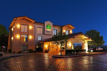 Choose This Two Star Hotel In El Paso