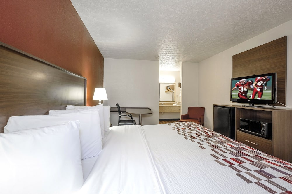 Superior Room, 1 King Bed, Smoking - Guest Room