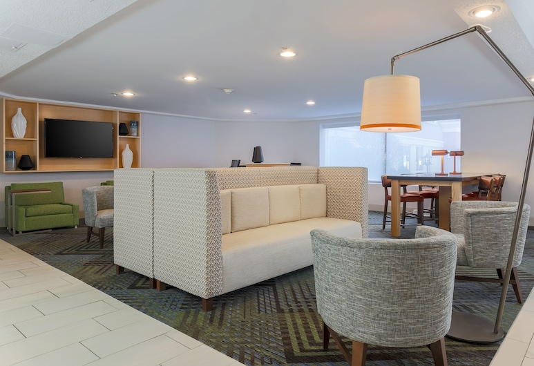 Holiday Inn Express Milwaukee-West Medical Center, an IHG Hotel, Milwaukee, Lobby